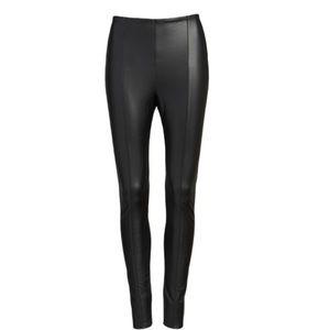 Lysse black faux leather jegging size Medium